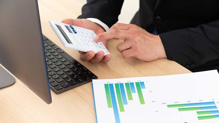 ホームページ完成後の運営費も含めて考えることが重要